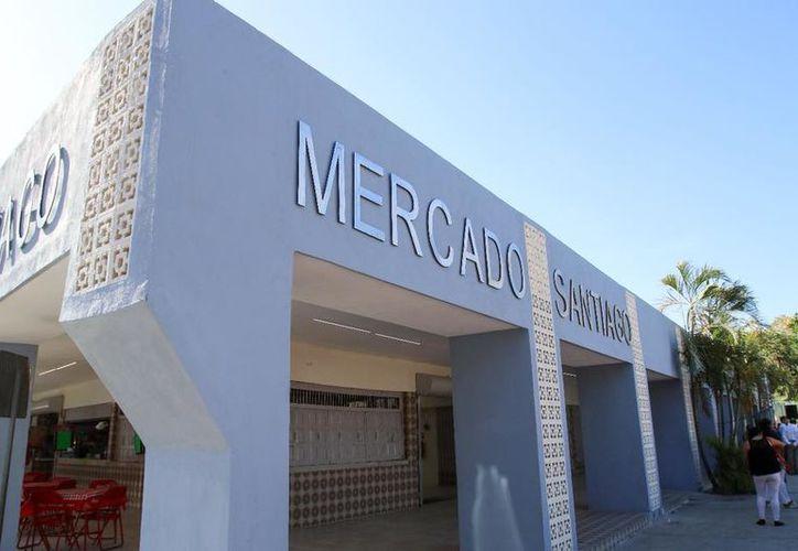 Los locatarios del mercado de Santiago estrenaron las instalaciones. (Foto: Milenio Novedades)