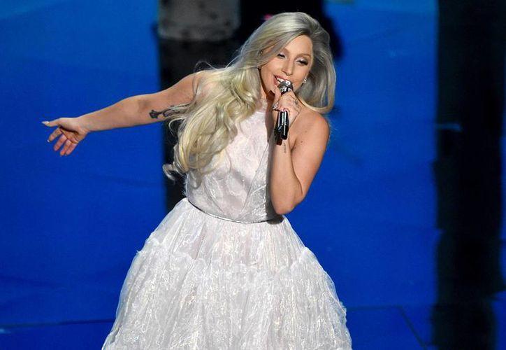 Artistas como Lady Gaga aplaudieron la decisión de la Suprema Corte de legalizar los matrimonios entre parejas del mismo sexo. (Archivo/AP)
