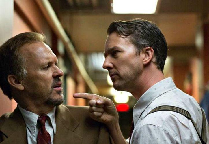 Michael Keaton (i), protagoniza 'Birdman' junto a Edward Norton. (mashable.com)