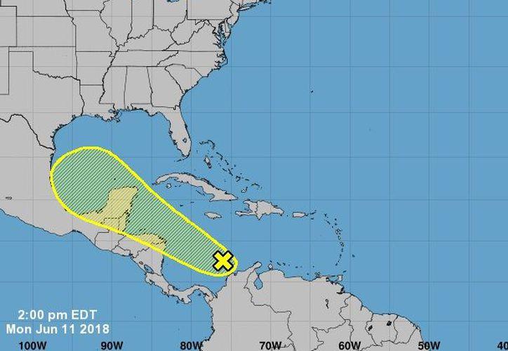 El pronóstico de la trayectoria que seguiría la zona de inestabilidad en el Caribe, durante los próximos 5 días. (Nooa)