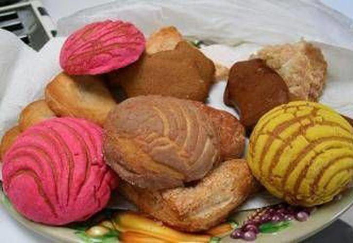 Algunas institución se mantiene con la venta de pan. (Archivo/SIPSE)