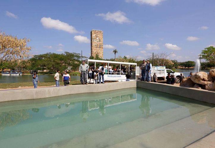 El Ayuntamiento rehabilita el muelle del catamarán, uno de los atractivos del Parque Zoológico del Bicentenario Animaya. (SIPSE)