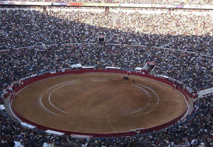 La corrida número 16 de la Temporada Grande Internacional 2014-15 en la Monumental Plaza de Toros capitalina está programado para iniciar a las 20:00 horas de este jueves. (Notimex)