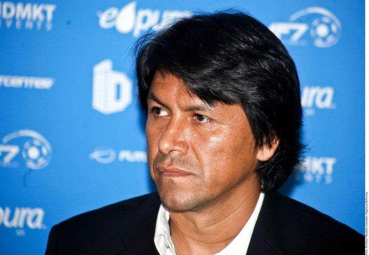 El presidente Pumas Morelos, Claudio Suárez, niega que el equipo se vaya a Campeche. (Agencia Reforma)