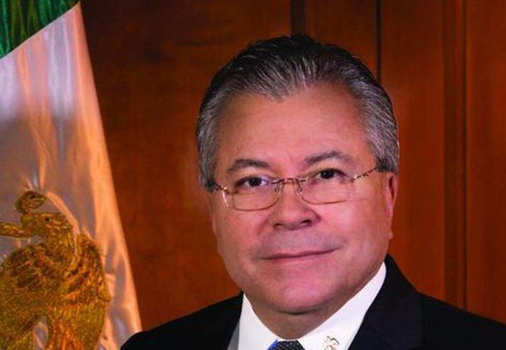 El presidente municipal de Mexicali, Jaime Díaz Ochoa, asegura que la negativa del Ayuntamiento para autorizar la unión de Víctor Fernando y Víctor Manuel obedece al marco legal vigente. (mexicali.gob.mx)