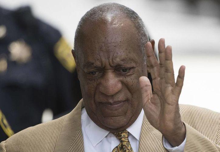 Bill Cosby abandonó una demanda en la que argumentaba que una mujer que lo acusa de abuso sexual violó un acuerdo confidencial entre ambos. (AP/archivo)
