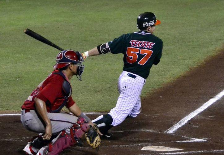 La artillería de Leones de Yucatán volvió a fallar: Piratas de Escárcega se llevó la victoria en el juego 3 de la serie final de la Liga Peninsular de Beisbol. (Daniel Sandoval/SIPSE)
