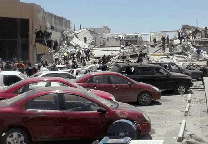 Una fuga de gas derivó en el desplome del Centro Comercial Valles del Pedregal. (Foto: aztecanoticias.com.mx)