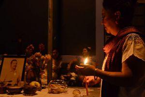 Ánimas se apoderan de las calles en Mérida