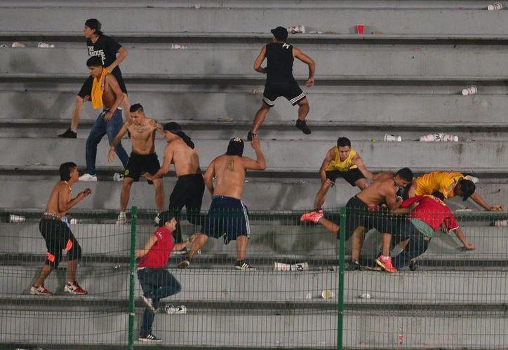 Por los acontecimientos violentos suscitados en las gradas, el estadio de Tiburones Rojos de Veracruz, el Luis 'Pirata' Fuente, fue vetado un partido. (Archivo/Jammedia)