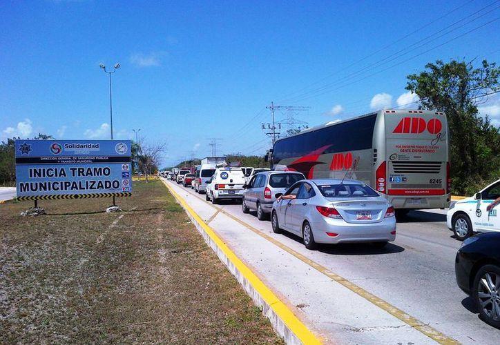 Autoridades serán más tolerantes con los coches que trasladen turistas en este periodo vacacional. (Daniel Pacheco/SIPSE)