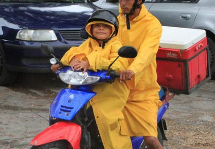 Se espera un fin de semana lluvioso y caluroso en Quintana Roo. (Ángel Castilla/SIPSE)