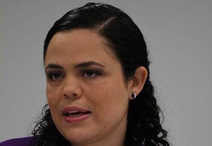 """Pide la senadora Mariana Gómez """"perfeccionar"""" leyes a favor de los migrantes. (Notimex)"""