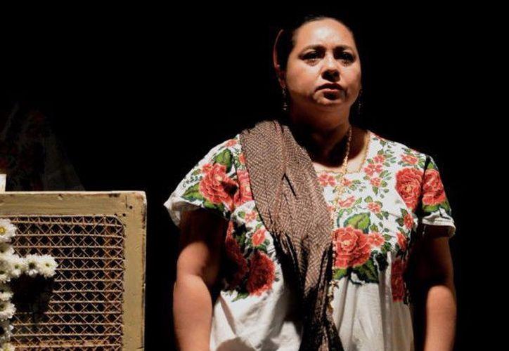 La actriz Conchi León dijo que la obra ha tenido una gran aceptación. (Faride Cetina/SIPSE)