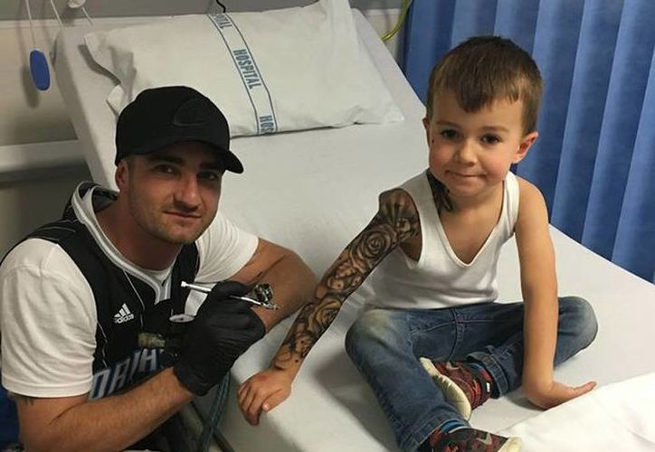 Las fotos de los niños del hospital han conseguido más de 100 mil me gusta en Facebook y se han compartido más de 20 mil veces. (facebook.com/BenjaminLloydCollection)