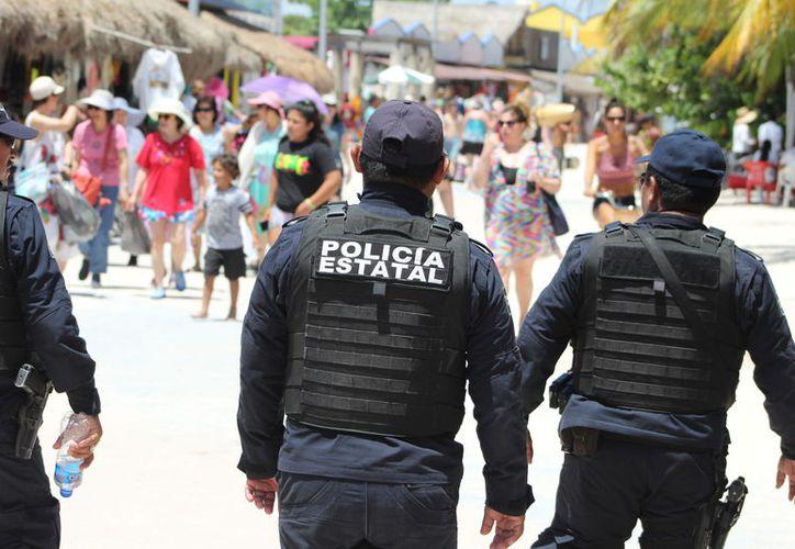 Alrededor de 600 elementos forman parte del operativo, con el que se pretende otorgar seguridad y atención a los habitantes del municipio, turistas nacionales y extranjeros desde hoy y hasta el 30 de abril. (Ángel Castilla/SIPSE)
