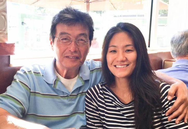 Después de meses de tratamiento médico el padre de Diana Kim se recuperó del todo y a principios de 2015 volvió a tener una vida normal.  (Diana Kim)