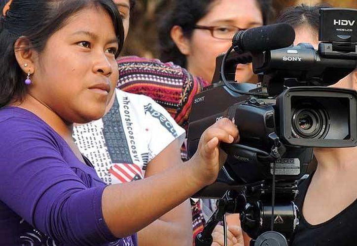Uno de los objetivos del Festival de Cine y Video Kayche 'Tejidos Visuales', que tendrá su tercera edición en mayo, es promover la forma de vida indígena. (clave9.cl/Foto de contexto)