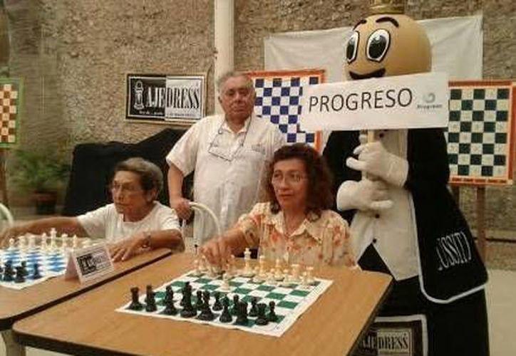 Abuelos progreseños destacaron en ajedrez en los recientes Juegos Nacionales para las Personas Adultas. (SIPSE)