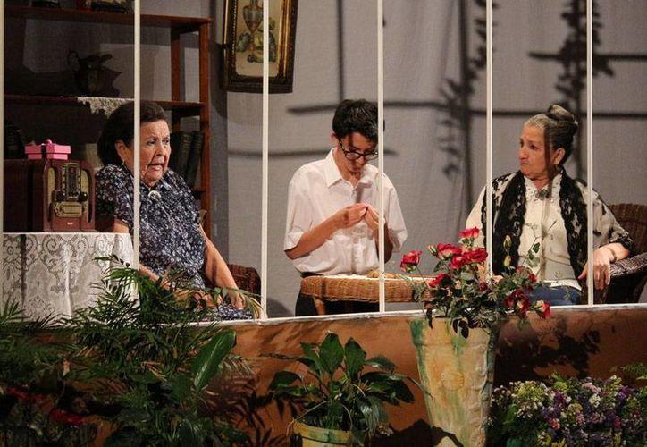 El festival del teatro 'Wilberto Cantón' logró un récord de asistencia, con más de 23 mil espectadores. La imagen es de una de las obras que se presentó en el marco del festejo. (Archivo/Milenio Novedades)