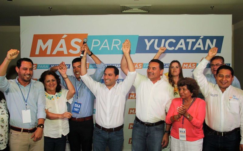 Mauricio Vila junto a otros candidatos del Partido Acción Nacional y de Movimiento Ciudadano. (Milenio Novedades)