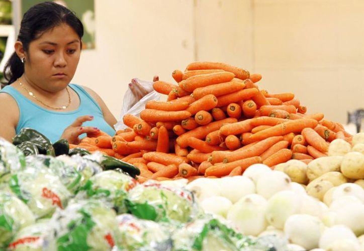 El precio de las frutas y verduras ha aumentado. (Milenio Novedades)