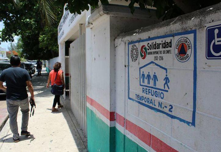 Al menos 15 refugios han sido detectados con problemas de higiene. (Octavio Martínez/ SIPSE)