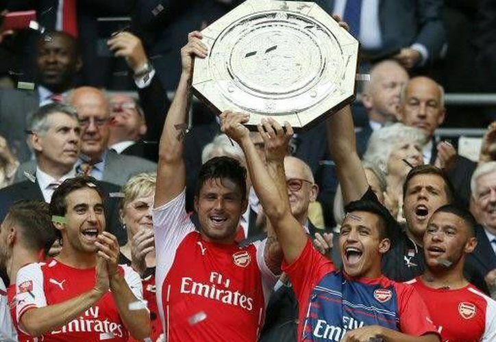 El Arsenal ganó la Community Shield 3-0 ante el Manchester City.(Foto:AP)