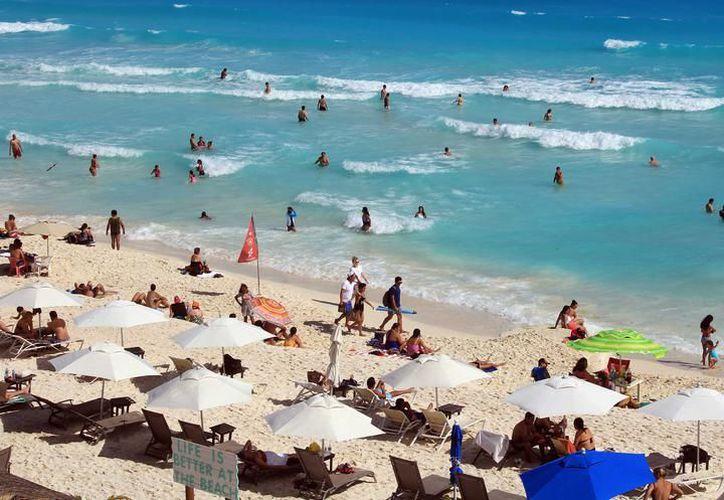 Playa del Carmen y Cancún siguen siendo de los destinos favoritos dentro del país. (Foto: Contexto/SIPSE)