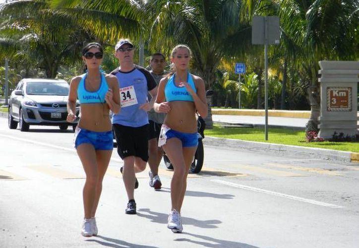Los que acostumbran participar en competencias atléticas tendrán un motivo más para hacer ejercicio con la carrera para festejar a los papás. (Foto de Contexto/SIPSE)