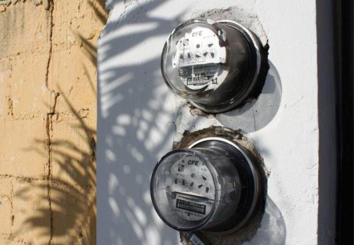 Los medidores digitales permiten conocer cualquier irregularidad o falla en la instalación eléctrica de la vivienda. (Archivo/SIPSE)