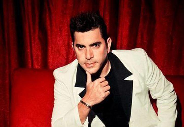 El cantante veracruzano pidió a los yucatecos disfrutar su música. (Milenio Novedades)