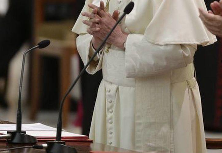 """Benedicto XVI confesó que halló un rostro de la curia vaticana """"inimaginable"""". (AP/Foto de archivo)"""