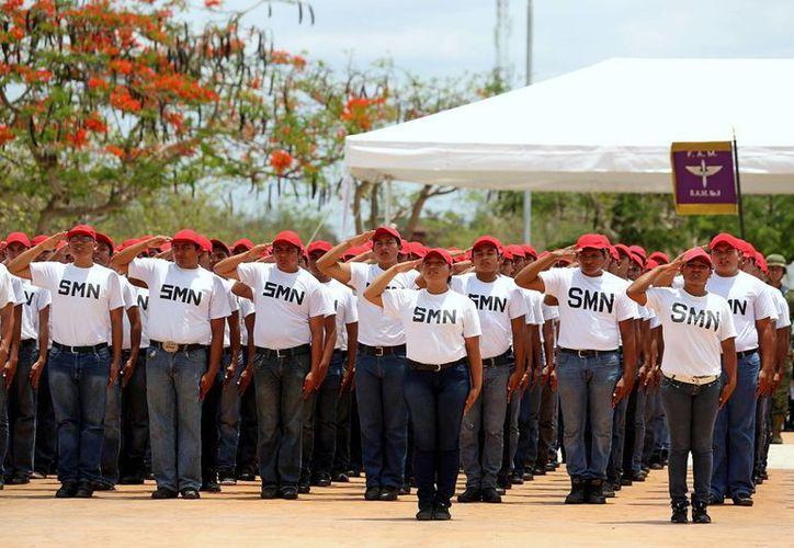 En total fueron 303 conscriptos los que rindieron protesta, entre los de clase 1995, anticipados, remisos y 12 mujeres voluntarias. (SIPSE)