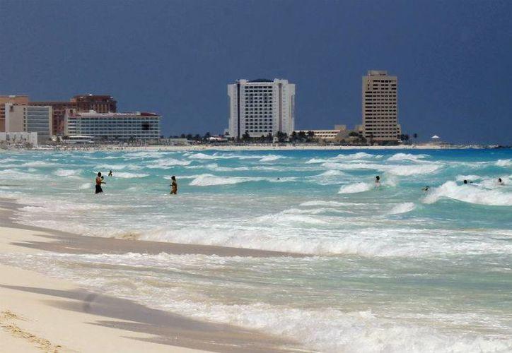 La temperatura del agua es de 28 grados centígrados, ideal para la formación de un huracán. (Jesús Tijerina/SIPSE)
