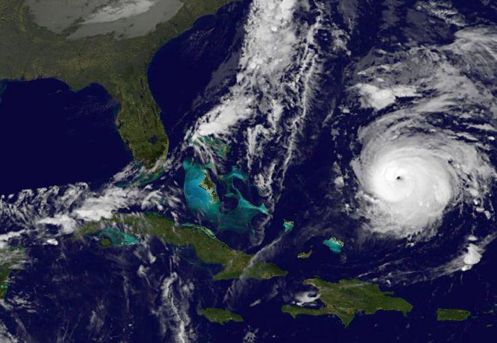 El ojo del huracán se ubicaba a 845 kilómetros al sur-suroeste de Bermudas. (Agencias)