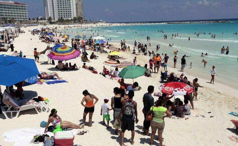 Las playas de los destinos de Quintana Roo han recuperado su esplendor con el programa de limpieza. (Redacción/SIPSE)