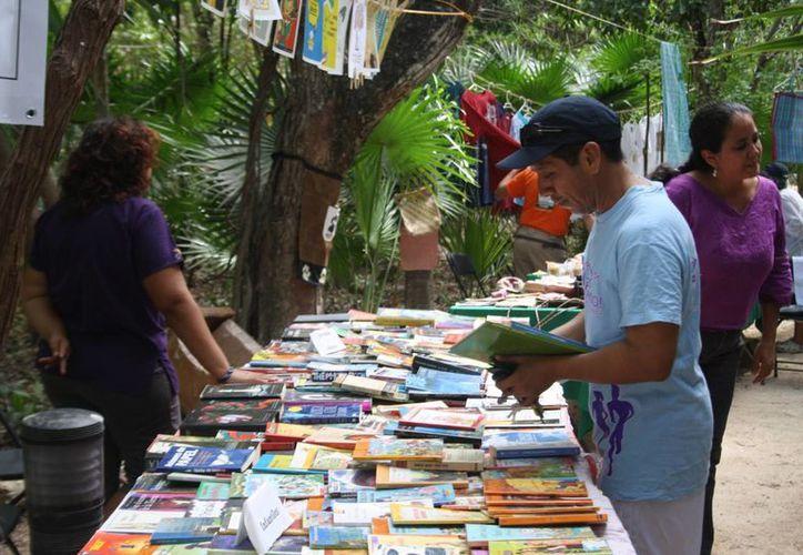 La iniciativa Libros Libres retomará sus actividades en el Parque La Ceiba, de Playa del Carmen. (Octavio Martínez/SIPSE)