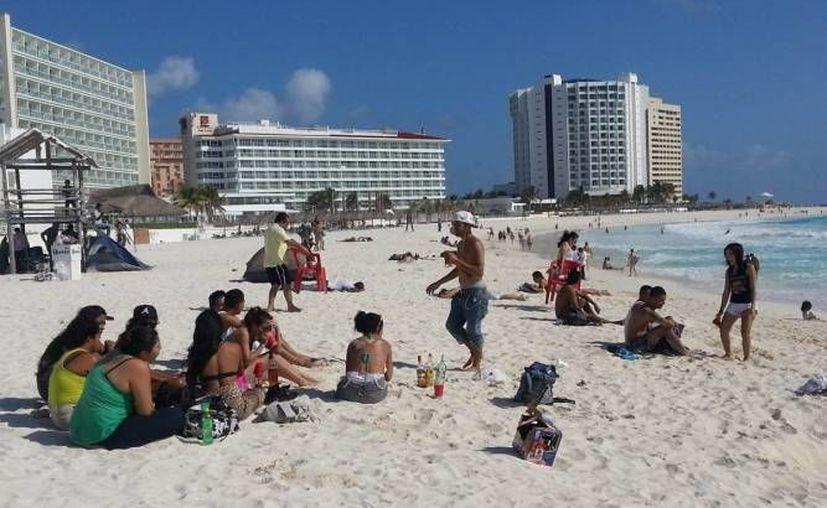Hoy los hoteles en Cancún tienen que regalar los alimentos cobrando las mismas tarifas que hace más de 10 años. (SIPSE)