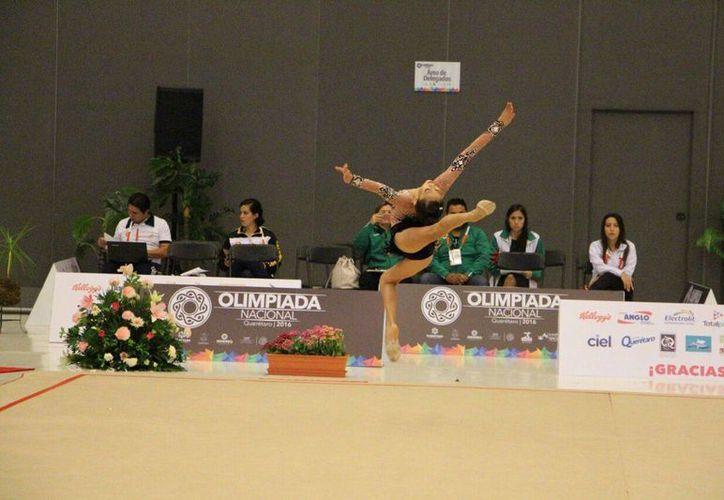 Dalia Alcocer ganó por sí sola cinco medallas en gimnasia en la Olimpiada Nacional. (Fotos: Milenio Novedades)
