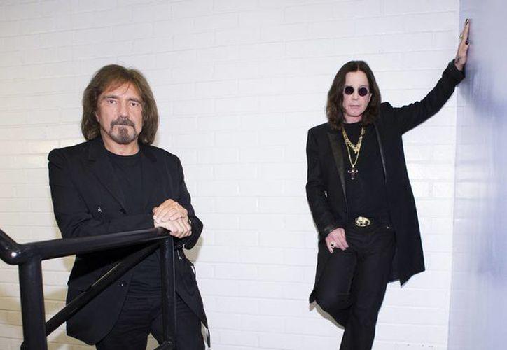 Black Sabbath era única por su mezcla de blues obscuro con películas de terror y las imágenes de la posguerra. Pertenece a un grupo muy selecto de bandas de la década de 1960. (Agencias)