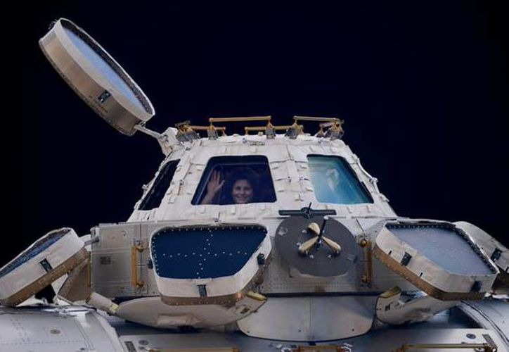 Imagen del Twitter de Samantha Cristoforetti de la Agencia Espacial Europea antes de su llegada a la Tierra. (@AstroSamantha)