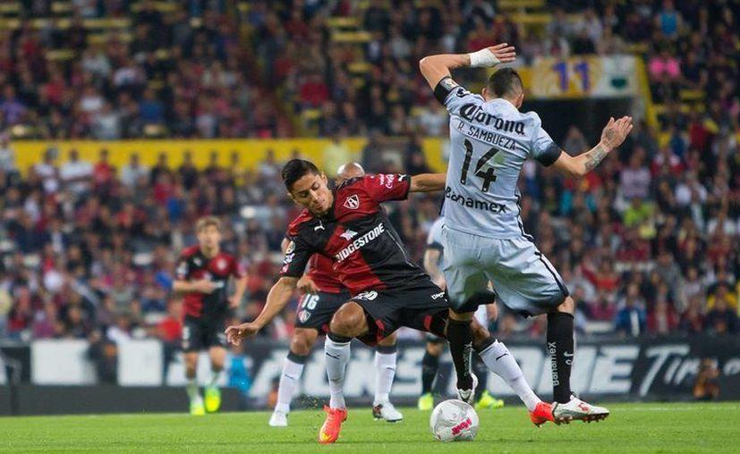 Rubens Sambueza venció este sábado al Atlas 3-0 en la jornada dos en partido disputado en el Estadio Jalisco. Rubens Sambueza marco el último tanto para los de Coapa. (Facebook: América)