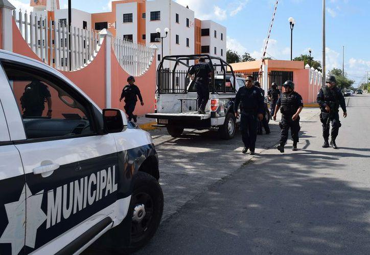 El municipio no alcanza ni los 200 elementos de seguridad. (foto: Gustavo Villegas/SIPSE).