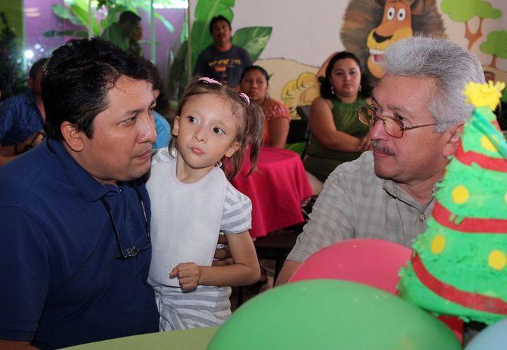 Durante el festejo, padres e hijos convivieron con alegría. (Milenio Novedades)