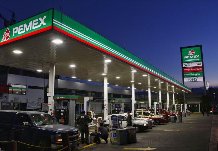 la falta de combustible ha generado compras de pánico en varios estados. (Vanguardia)