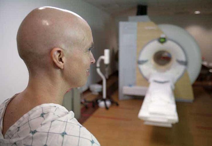 Los ensayos clínicos con Vaxira demostraron que no provoca los efectos secundarios adversos de la quimioterapia y la radioterapia. (lapatilla.com)