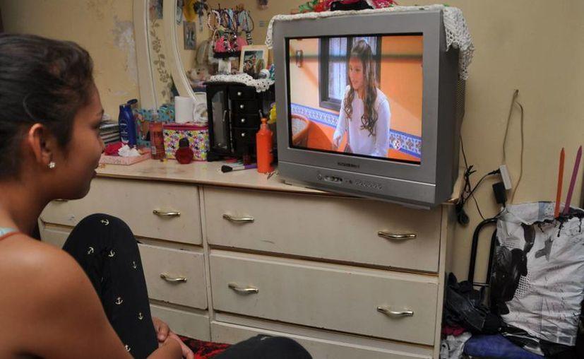 El Ifetel dijo que es necesario que después de la transición a la televisión digital se asignen canales virtuales en beneficio directo de las audiencias. (Archivo/Notimex)