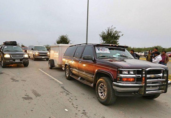 Autoridades de los tres niveles de gobierno ofrecieron apoyo a la caravana de paisanos que volvieron a México por las fiestas decembrinas. (Notimex)