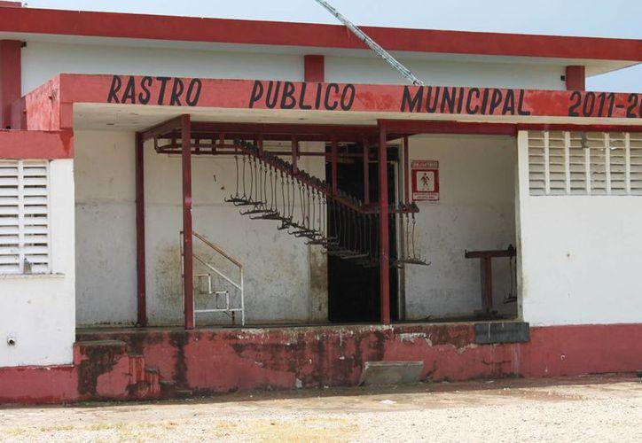 Casi un millón de pesos del Rastro Municipal no fueron depositados a las arcas municipales. (Harold Alcocer/SIPSE)